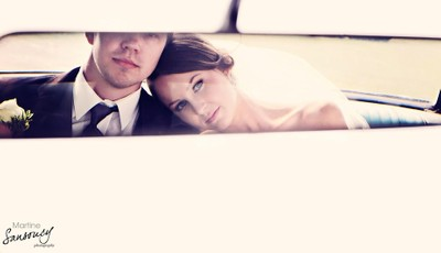 Newlyweds in a Mustang