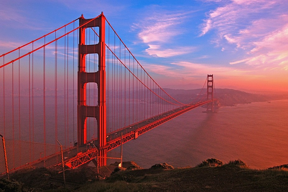 SanFrancisco's Golden Gate Bridge right before sunset.