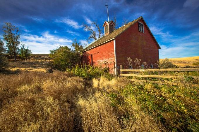 Abandoned Red Barn by pennymiller - HDR Landscapes Photo Contest