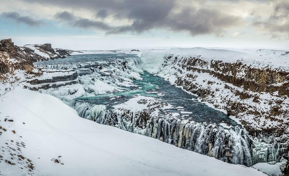Gulfoss-waterfall-pano
