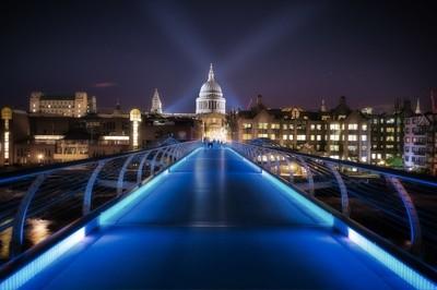 UK - Millenium Bridge and Sct Pauls