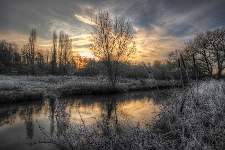 A very cold morning along the river at Claydon, Suffolk.
