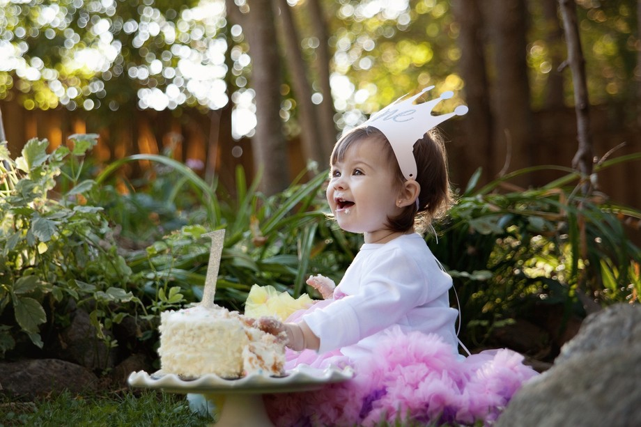 Late afternoon birthday session with an adorable one year old