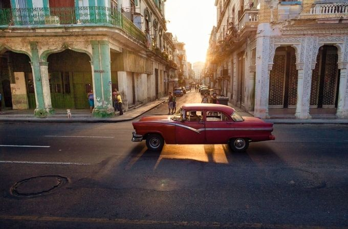 Best Friends Photograph Their Colorful Journey Through Cuba