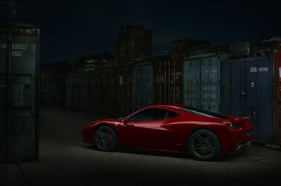 Ferrari 458 Italia by night