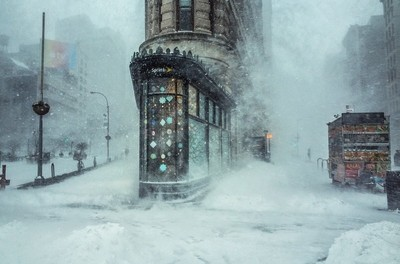 Jonas Blizzard nad the Flat Iron Building