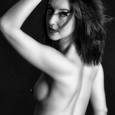A lovely elegant nude low light shot. only my opinion though!