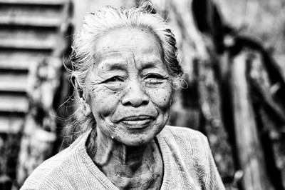 Sweet Older Lady - Unnamed Road - Desa Tunjuk, Bali
