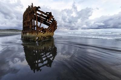 Oregon Coast wreck, The Peter Iredale