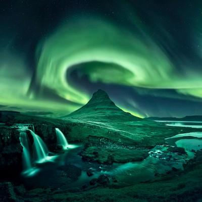 Kirkjufell, aurora