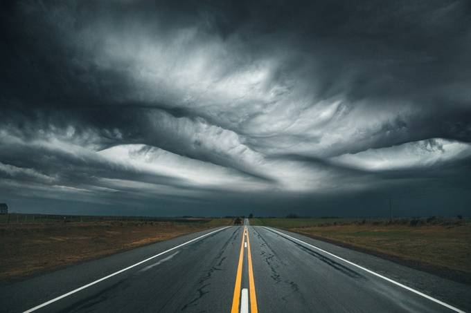 abduction by diegoweisz - Clouds In Movement Photo Contest