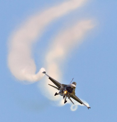 F16 on finals