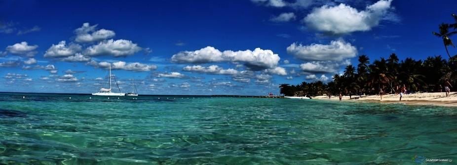 Caribbean blue - panorama