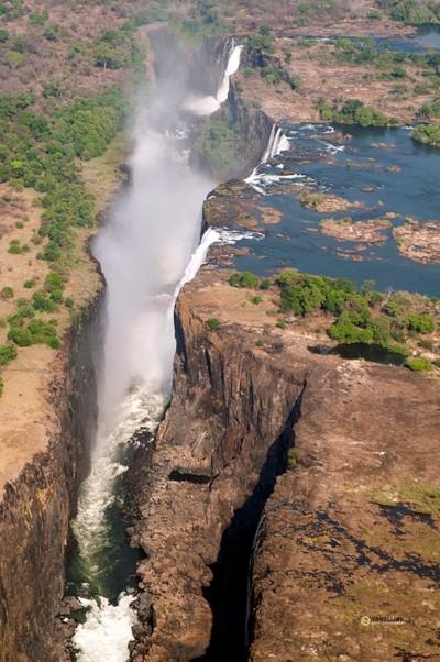Mosi-oa-Tunya-Victoria falls: Knife's gorge, full overview Zambia