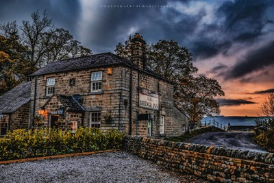 HDR Country Pub