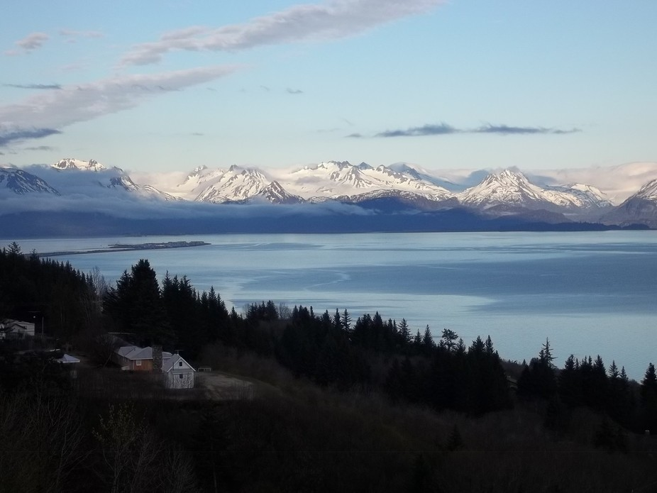 This is the scene you see when you first drive from the Keni Peninsula into Homer Alaska. Breatht...