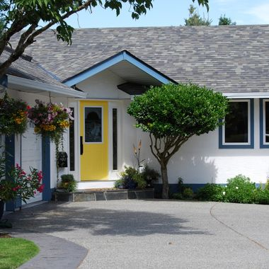 YELLOW DOOR - N. Nanaimo, B.C. July 2015