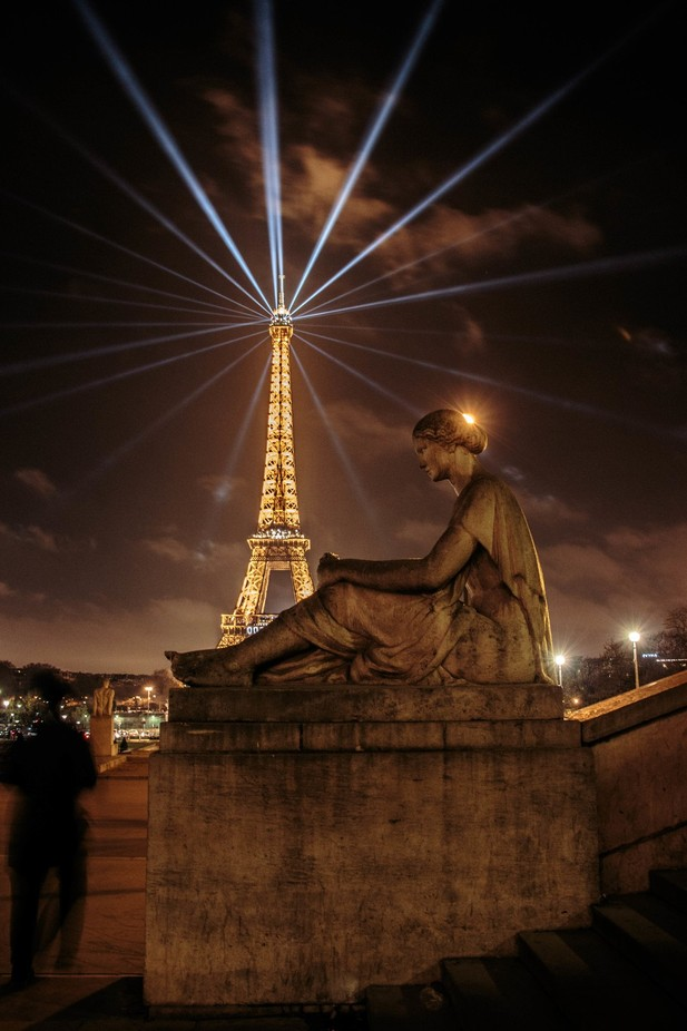 Eiffel Tower by jnoon - Paris Photo Contest