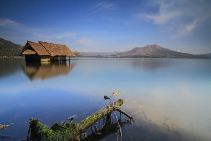 the house by deguslemon - Spectacular Lakes Photo Contest