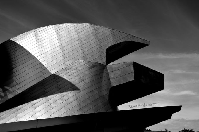 Taubman Museum, Roanoke, VA by renepolanco - Geometry And Architecture Photo Contest