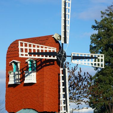 WINDMILL at Castle & Show Mini Gold in Parksville, BC one sunny day in mid February 2007