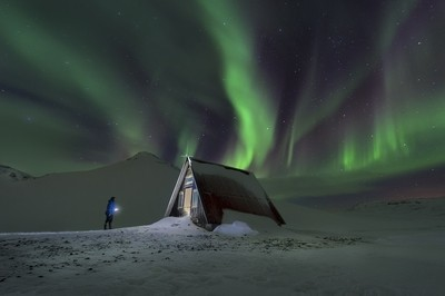 iceland_olafsvik_cabin_northern_lights_01