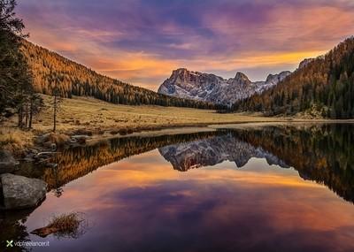 Dawn in Calaita Lake