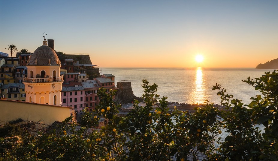 If life gives a lemon....  Sunset over Vernazza.