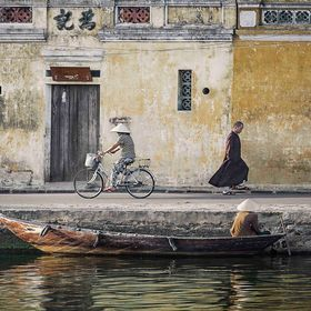 Slice of life of an ordinary day in Hoi An, a wonderful town in the Central Vietnam and where time seems to stand still...  Prints and books avai...