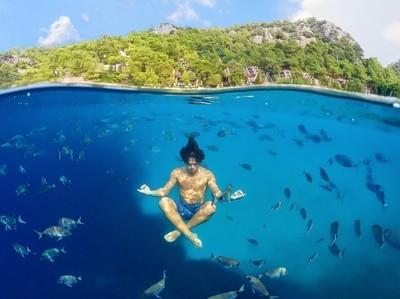 Yoga Undersea