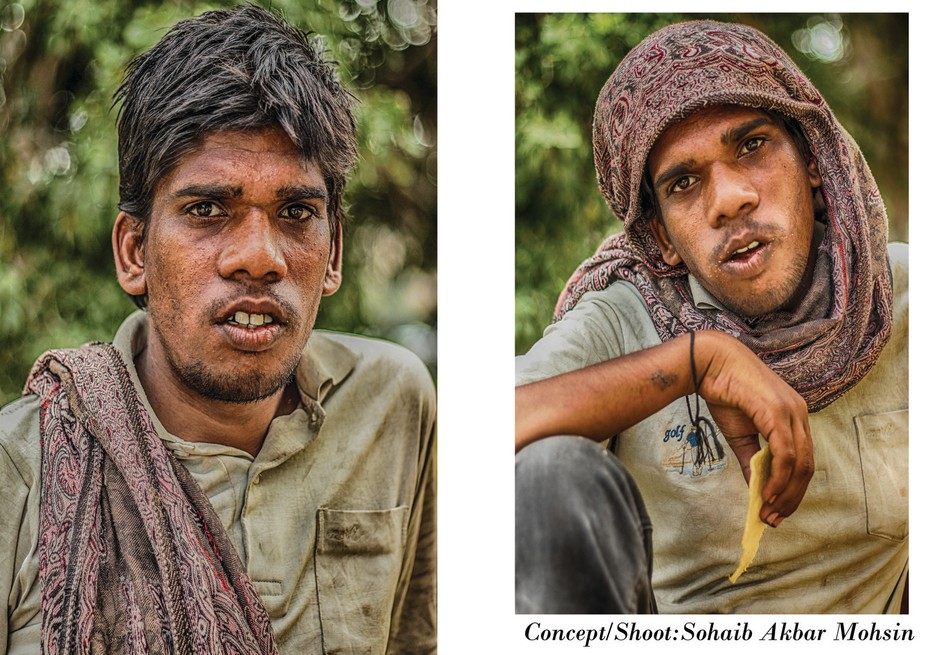 when i was shoot in arts gallery and when we are finshed our then i see young boy sitting on road...