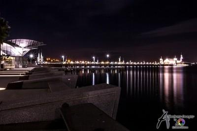 Geelong pier by night