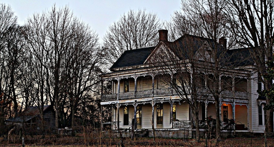 This old home in rural Middle Tennessee always has a light left on despite it being empty.  As if in the will of its deceased owner, there was a need to leave a light on.  Maybe to suggest that someone's home, or maybe to offer hope for that child who left and never returned.  I don't know..but, I found it very romantic as once again, it said goodnight at last light.