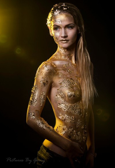 Hanna Golden light
