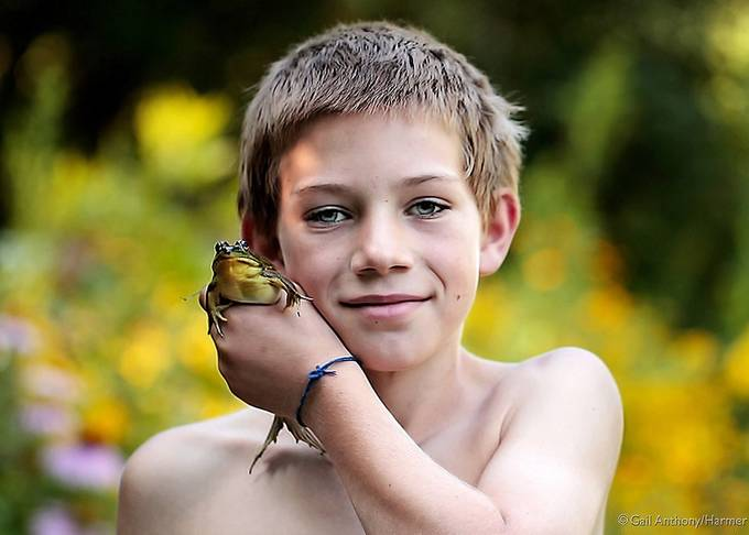 Boys n' Frogs - Summertime Friends by mihrt - Portraits With Depth Photo Contest