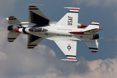 Thunderbird Opposing Knife Edge Pass