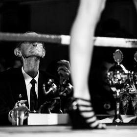 This boxing judge is really judging everything