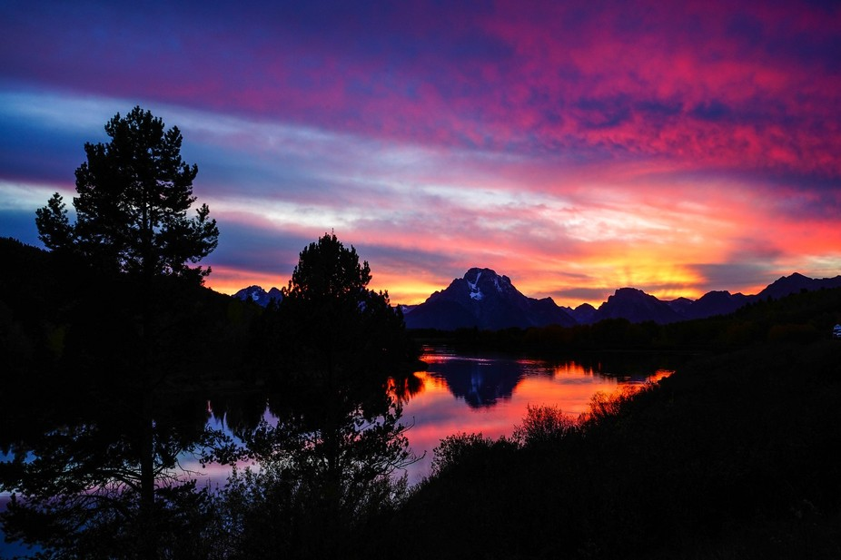 While visiting the Tetons in late Sept., I enjoed a beautiful sunset at Oxbow Bend on the Snake R...