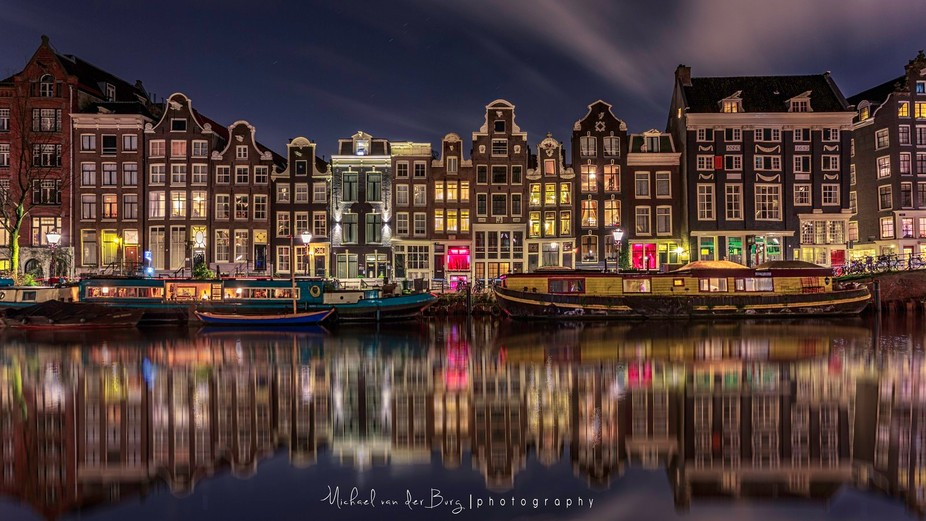 The Singel is an Amsterdam canal, which runs from the IJ to the Muntplein, where it flows into th...
