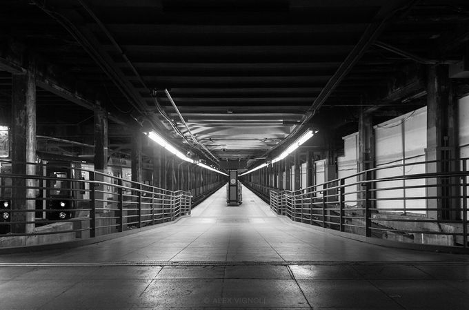 Lines to Go and to Come by alexvignoli - Public Transport Hubs Photo Contest