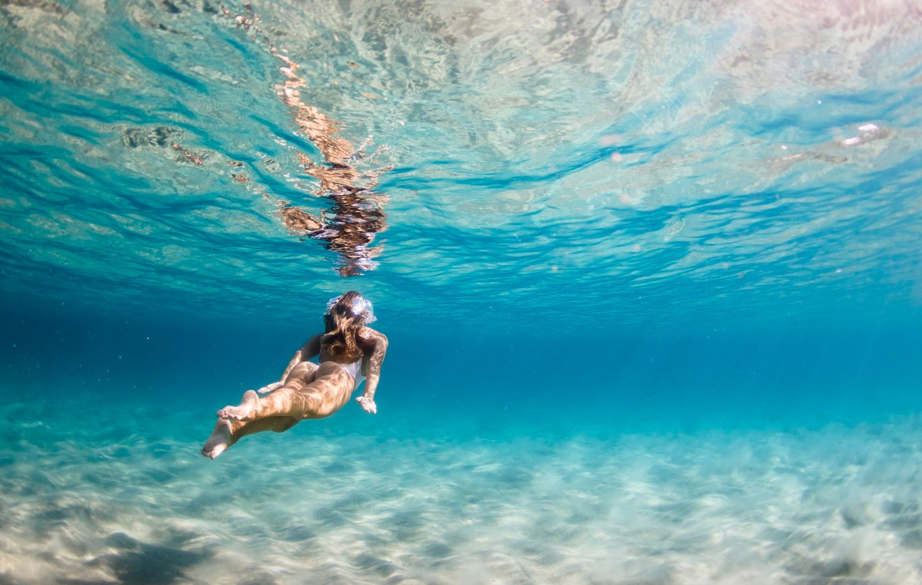 20+ Shots That Will Make You Want To Go Underwater