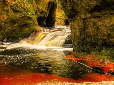 blood river, devil's pulpit, finnich glen, scotland