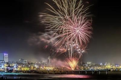Splash Easter Fireworks 2016 in my City