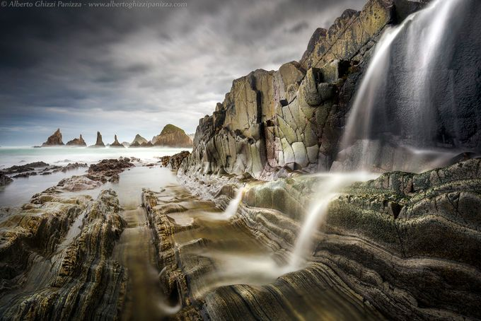 Between rocks and waters by albertoghizzipanizza - Spectacular Cliffs Photo Contest