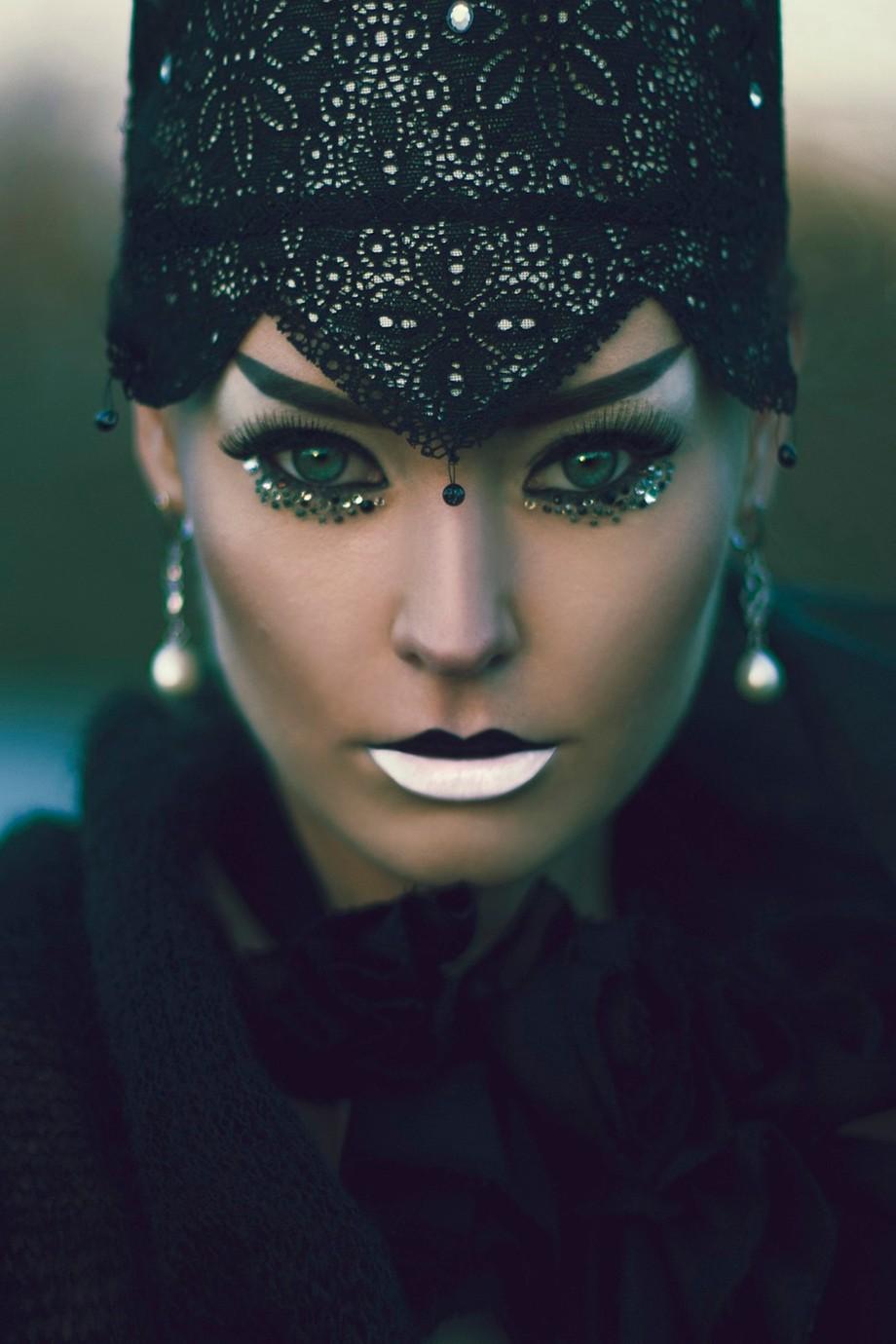 Killer Queen by marinastudio - Paint And Makeup Photo Contest