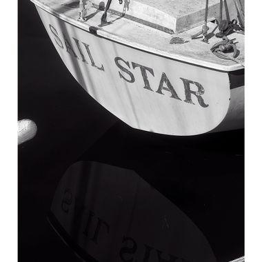 Sail Star BW Border
