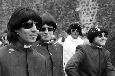 The Beatl...Hey, that's Elvis!!
