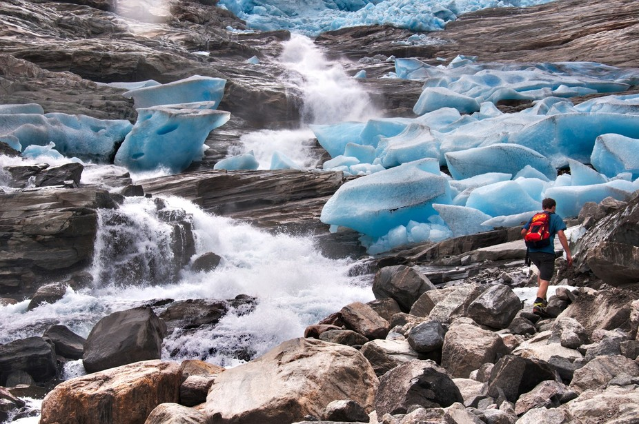 After many years I returned to Bödalsbreen in Norway. This is the first glacier I was ever walki...