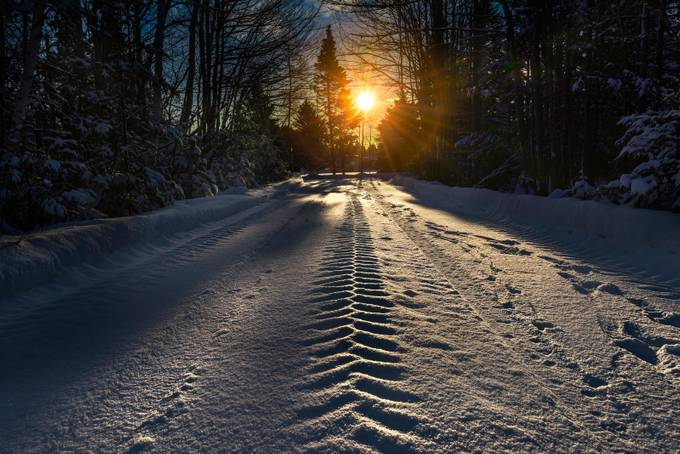 Winter sunrise by alechickman - Country Roads Photo Contest