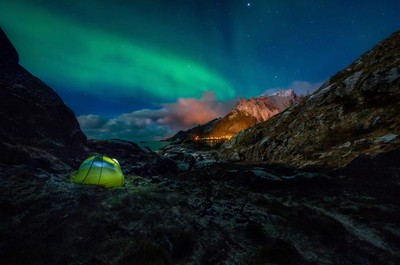 Aurora above Olenilsoya